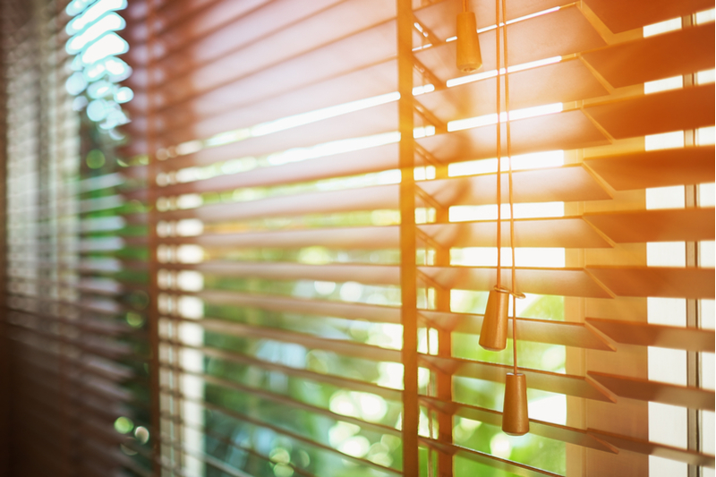 Electric Blinds and Venetian Blinds Compared