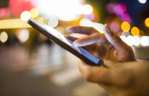 5 of The Best Smartphones for Under £300